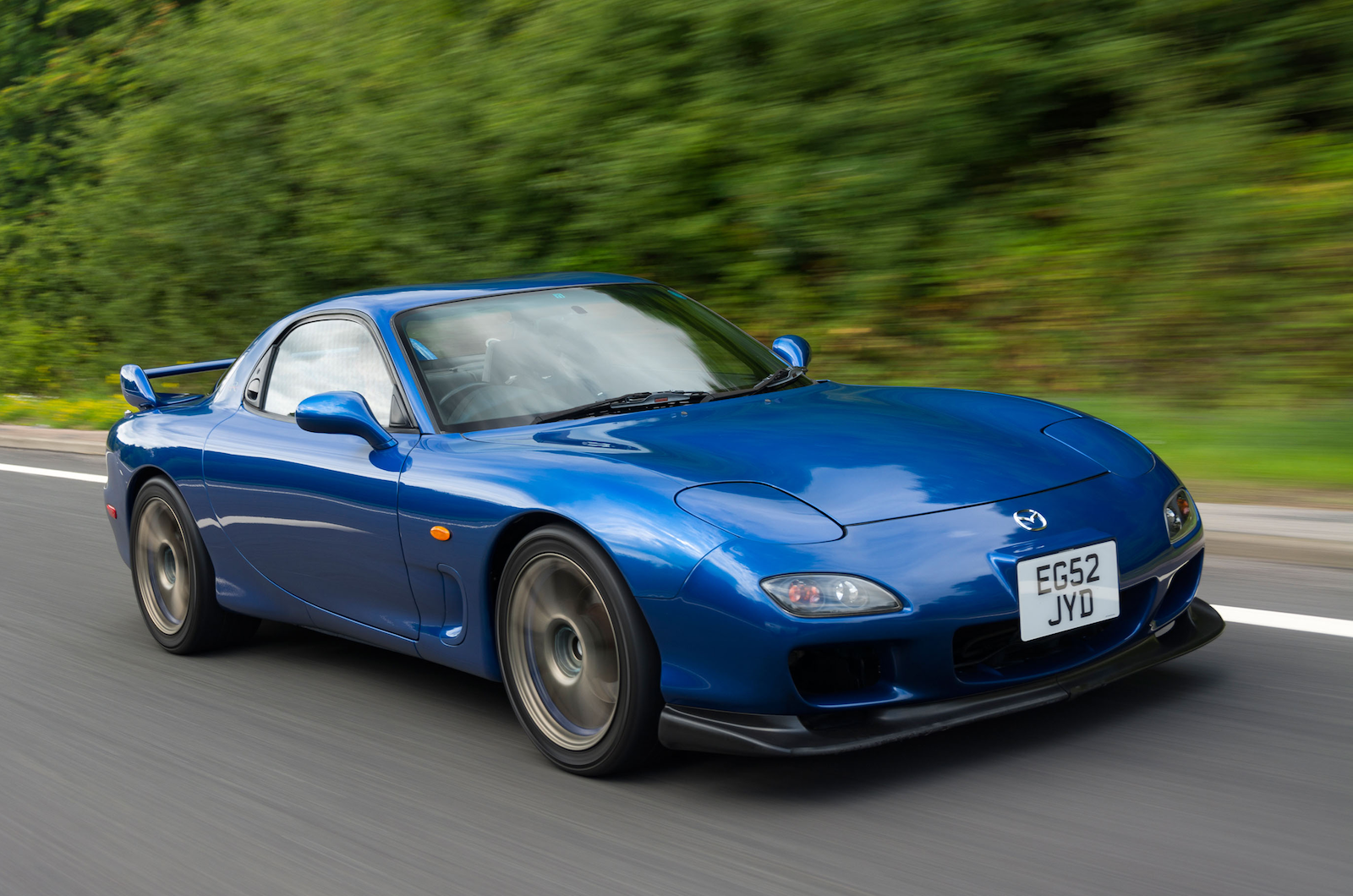 28 Classic Cars That Make A Good Investment In 2019 Classic Sports Car