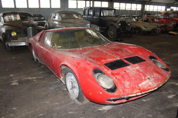 Barn Find Miura Sells For 493 000 Classic Sports Car