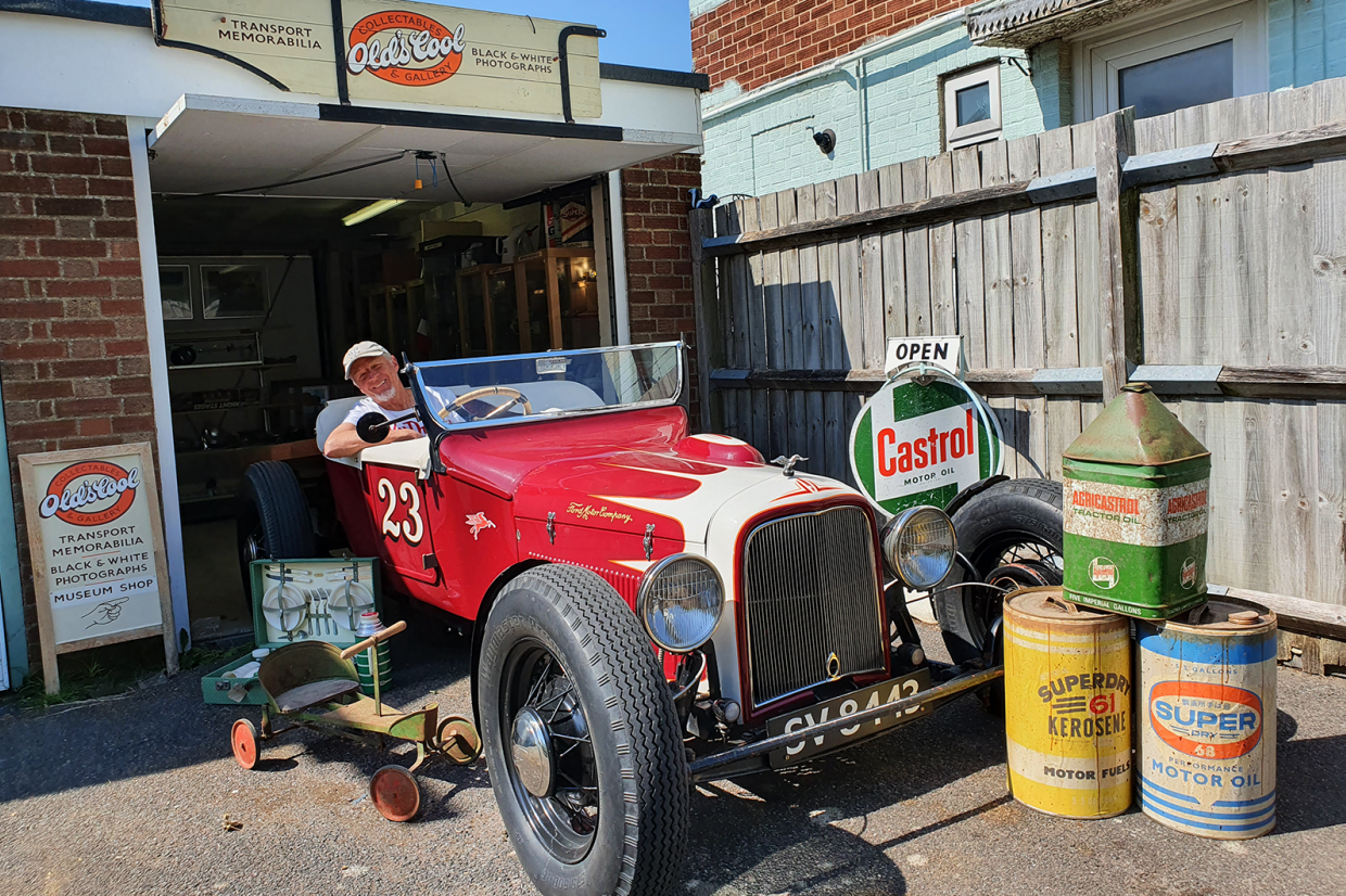 Classic & Sports Car – Also in my garage: classic transport memorabilia