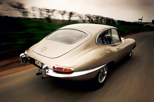 everyone wants a jaguar e type, but which one is best?