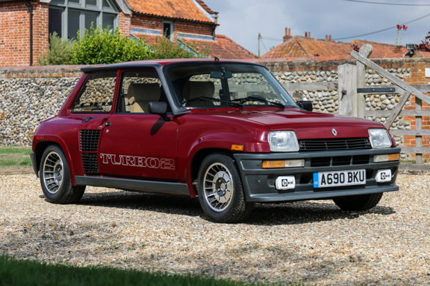 Classic & Sports Car – Ford Escort and Sierra break records at Silverstone sale