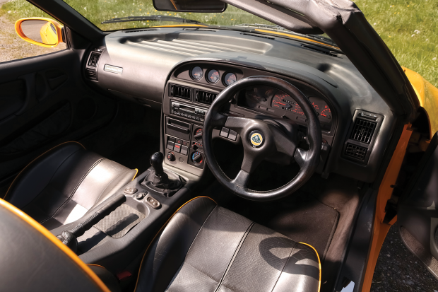 Lotus Elan M100 Vs Bmw Z1 Classic Amp Sports Car
