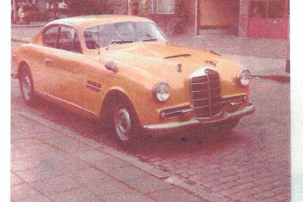 This Mercedes 220 wears one-off Lancia-style coachwork