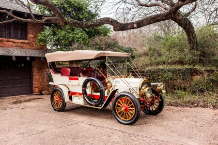 Classic & Sports Car – Wonder Welch is no-reserve 111-year-old treat