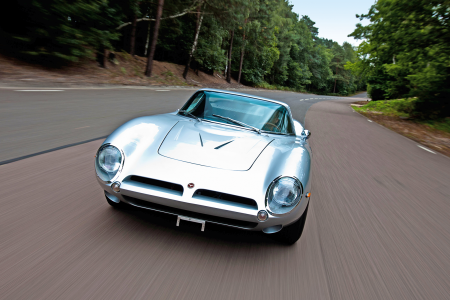 Classic & Sports Car – 10 cars that were built to beat Ferrari