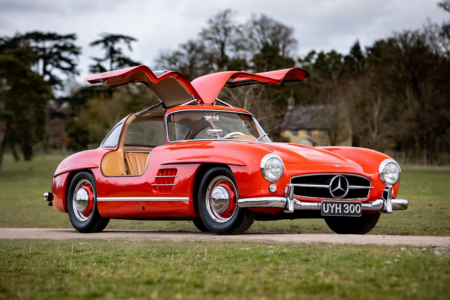 Classic & Sports Car – Gullwing flies high at Silverstone Classic 2019 sale