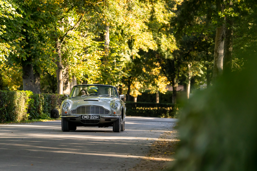 Classic & Sports Car – Aston Martin drive