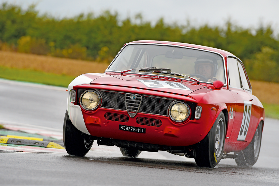 Classic & Sports Car – Driving Jochen Rindt's Alfa Romeo GTA