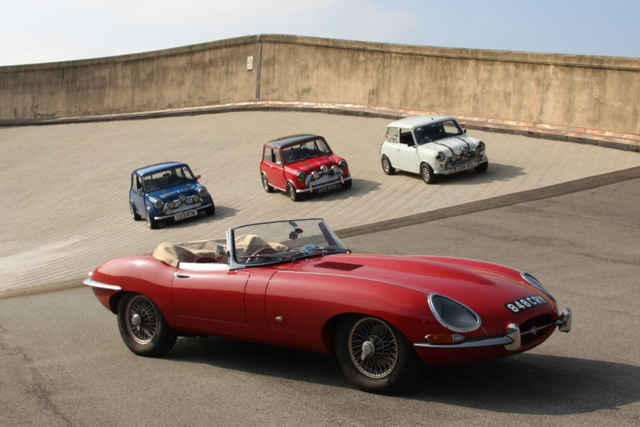 Classic & Sports Car – E-type 60 invites Minis to the party