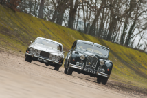 Classic & Sports Car – When size matters: Jaguar MkVIIM vs MkX