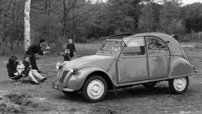 Citroen 2Cv For Sale >> Classic French cars we'd love to own | Classic & Sports Car