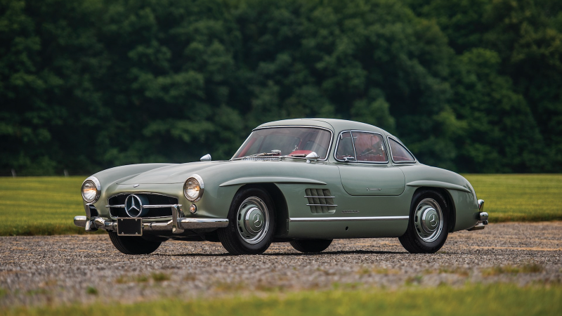 Fabled Ferrari tops $39.8m Los Angeles auction